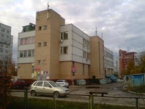 1200px-Здание_ЖЭКа_(Тольятти)